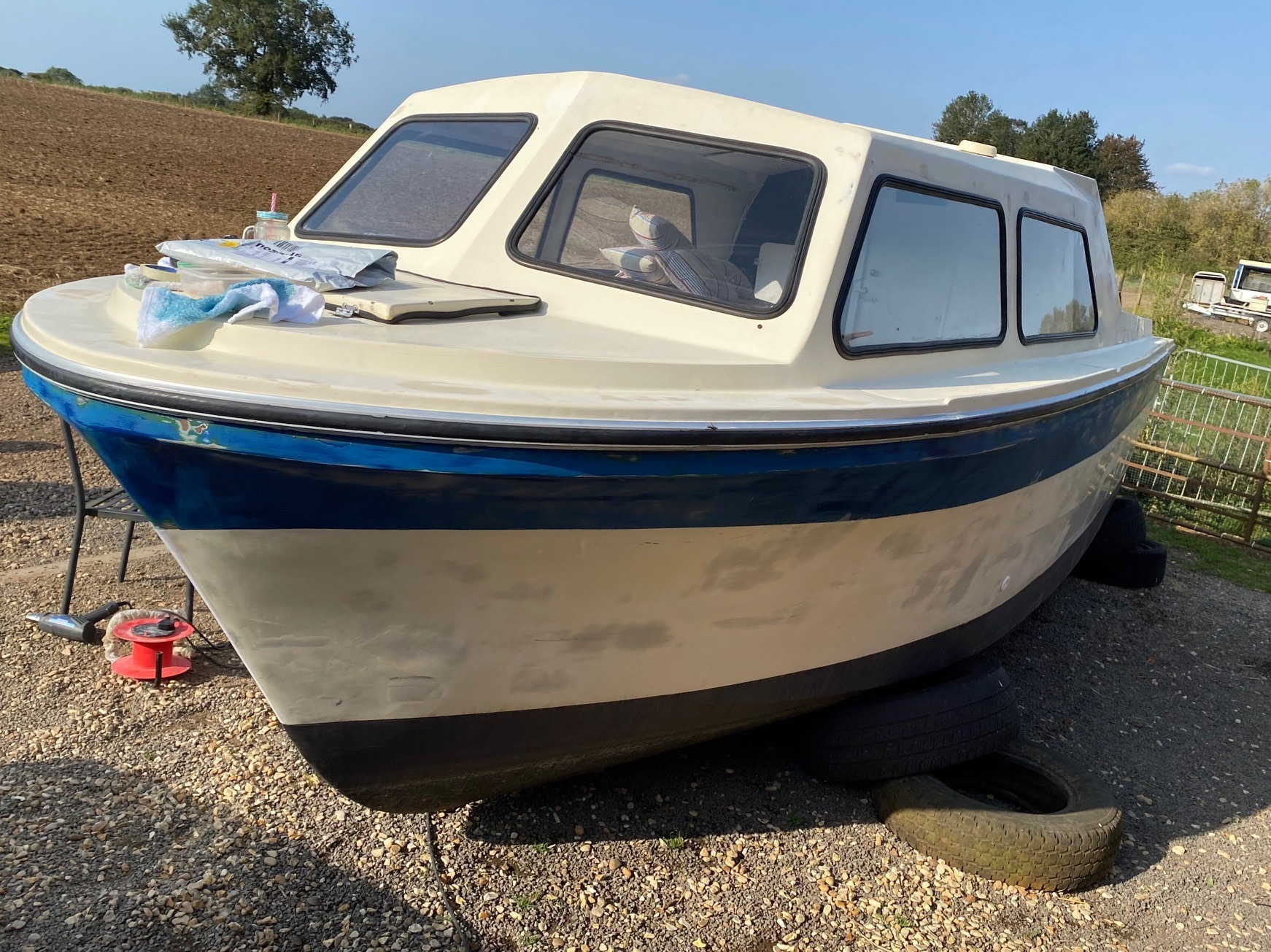 Project image for 30 Year Boat made to look Brand New
