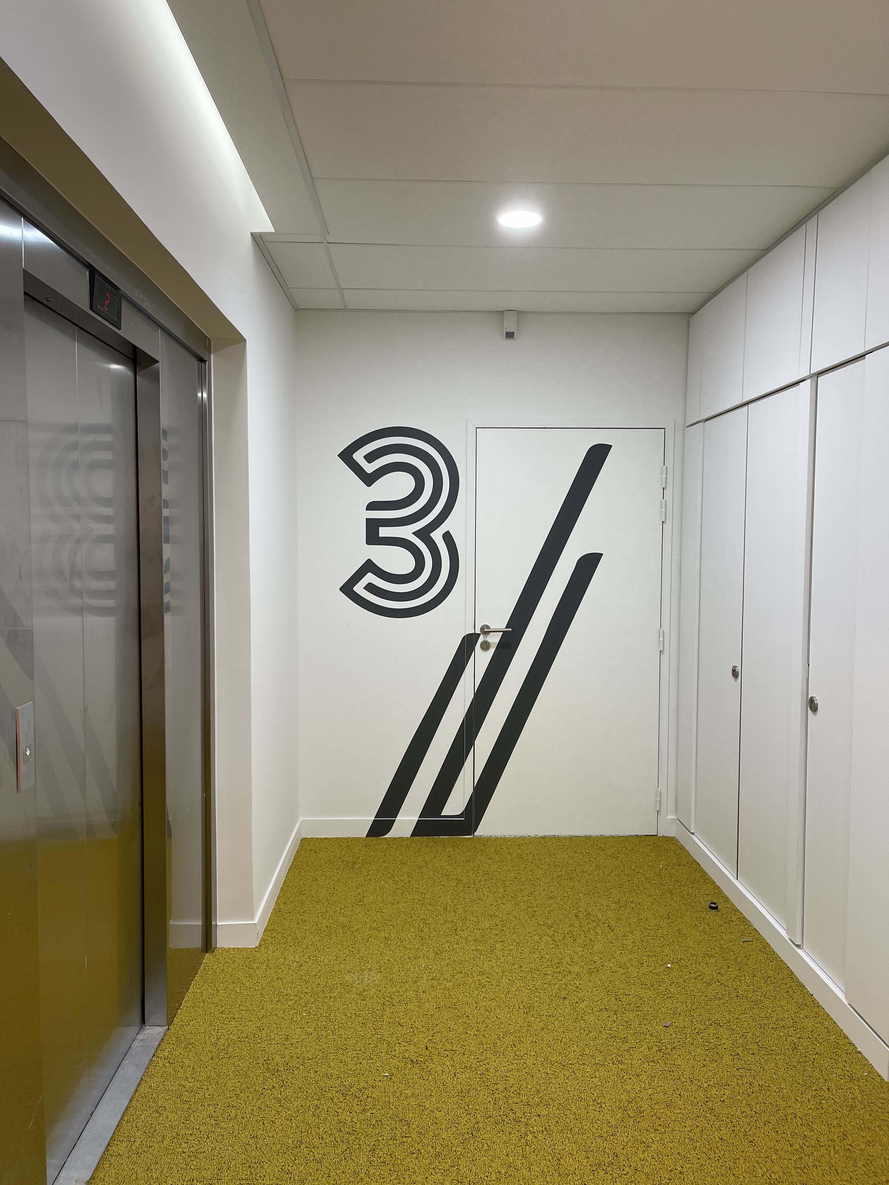 Project image for Signalétique efficace, dynamique et décorative / Efficient, dynamic and decorative signage